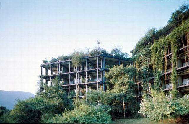 Kandalama hotel architectuul for Kandalama hotel sri lanka