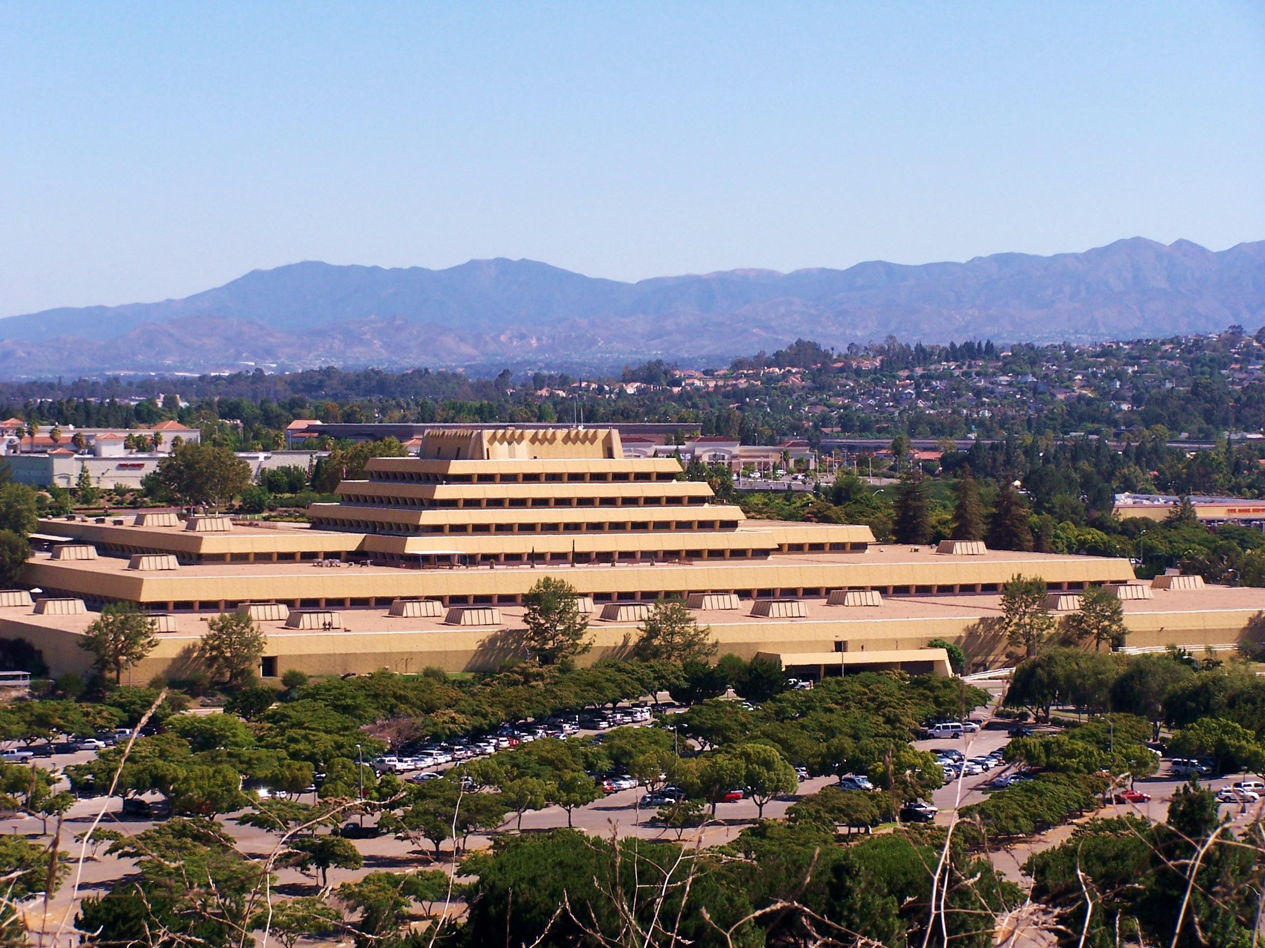 Chet Holifield Federal Building AKA The Ziggurat Building ...  Ziggurat Laguna Niguel